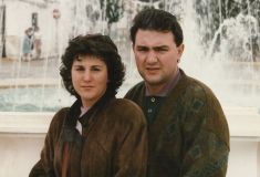 MariMar y Rafa en la plaza de Gargallo